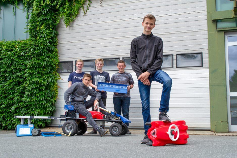 Das ELHA Racing Team 2019 – eine Kooperation der Franz Stock-Realschule für den Bobby Car Solar Cup in Bielefeld.