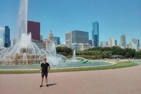 Im Park mit Springbrunnen - Auslandsaufenthalt in Troy, Michigan, USA - Christoph S.