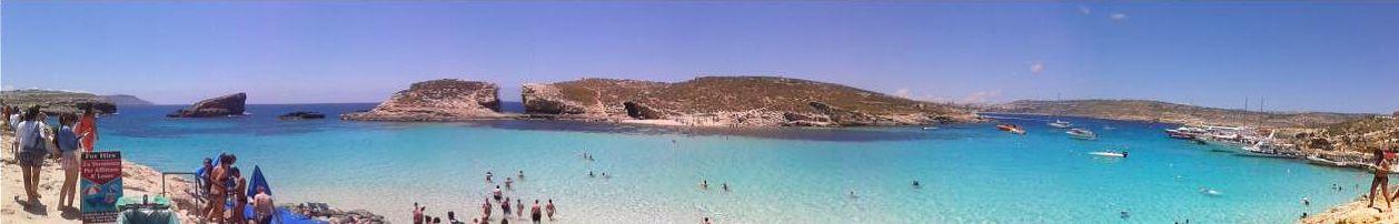 Malta Strand kristallklares Wasser und Sonne satt