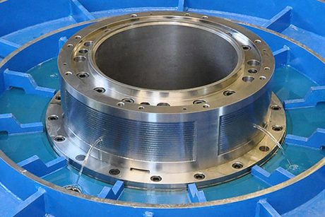 Rotary table radial bearing