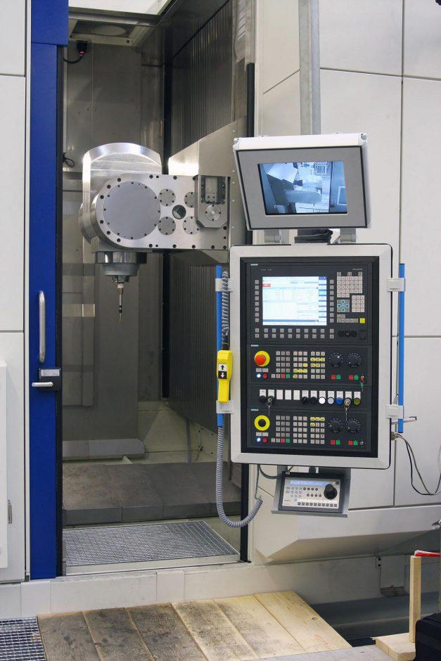SMX 5181 Steuerung mit Blick in den Maschinenraum
