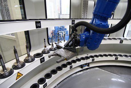 Tool Arena mit Werkzeugwechselroboter
